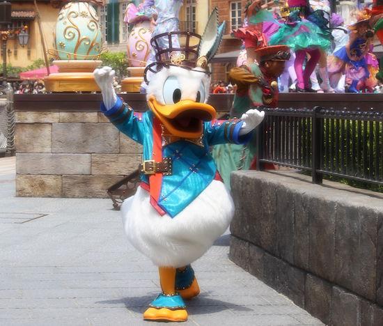 ive02 min - ディズニー年間イベントをディズニー旅行の際には知っておこう!!