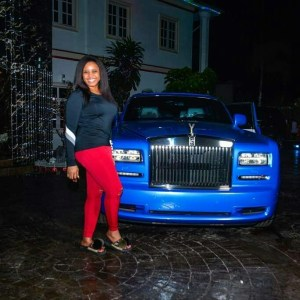 Emoney Surprised his wife with A brand new Rolls Royce phantom As Xmas Gift
