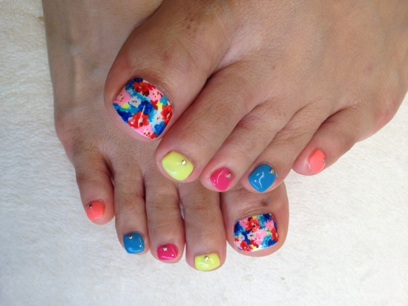 44 Easy And Cute Toenail Designs For Summer Diy S 55 Nail Art Ideas Your Toes