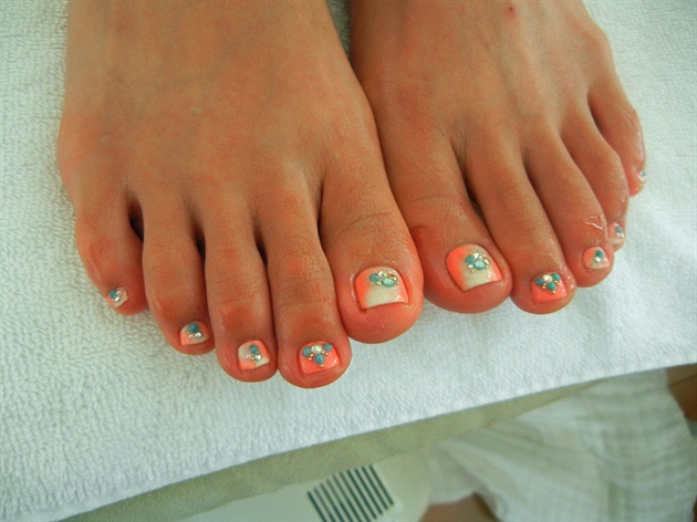 You Are Going To Adore This Nail Art Pattern If Fond Of Ombre A Subtle Done With Pastel Shades Orange And Cream Is Truly Elegant