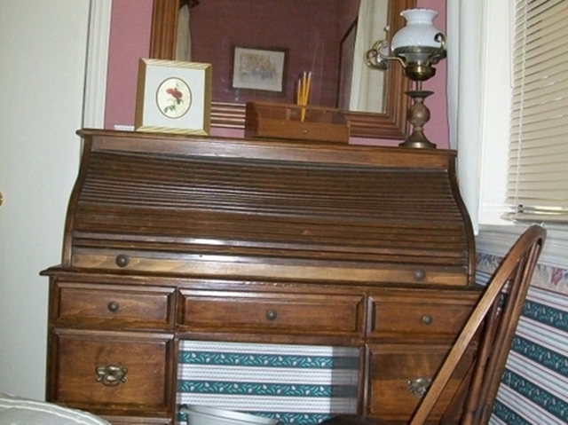 The Antique Roll-top Desk in the Beaver Lake Vacation Rental