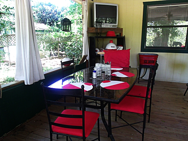 Cute Little Cottage Out Door Great Room Dining Beaver Lake In Rogers AR