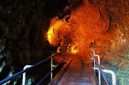 Thurston Lava Tube 火山溶洞 | 捲特萬 ˙ 鐵拿