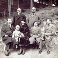 1934, Lucian Blaga împreună cu soția, fiica și cu familia Brediceanu.