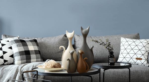 Decoratieve Kattenbeelden van porselein met 2 kattenkinderen