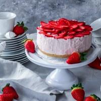 [Rezept] Erdbeertörtchen ohne Backen (vegan)