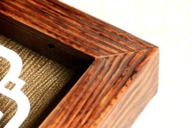 Bingkai paper cutting coklat kayu