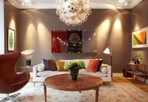 Cozy-Living-Room-at-Fascinating-Modern-Apartment-Interiors-In-Chocolate-Shades-at-Sweden-500x345