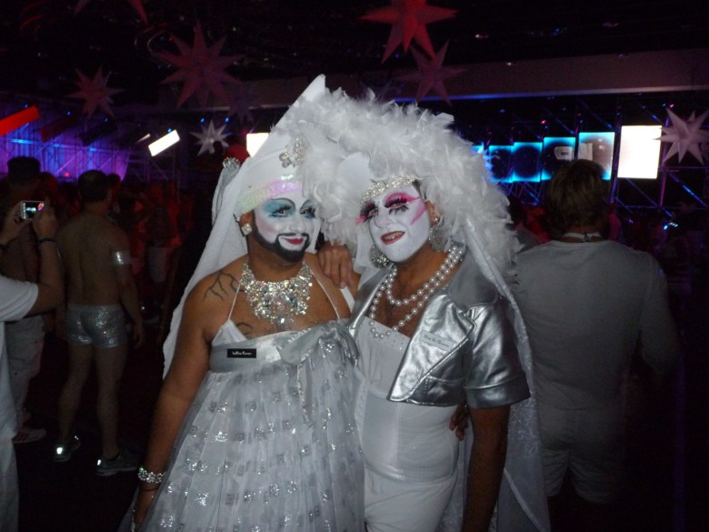 images/White Party 2013/sisters-in-white_8606080389_o