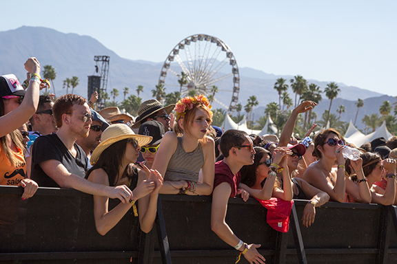 images/Coachella 2013 Weekend 2 Day 3/coachella-2013-day-3_8670338960_o