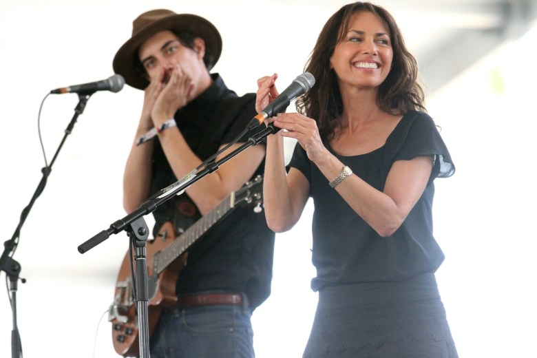 images/Stagecoach 2014 Day 3/susanna-hoffs_14072972893_o