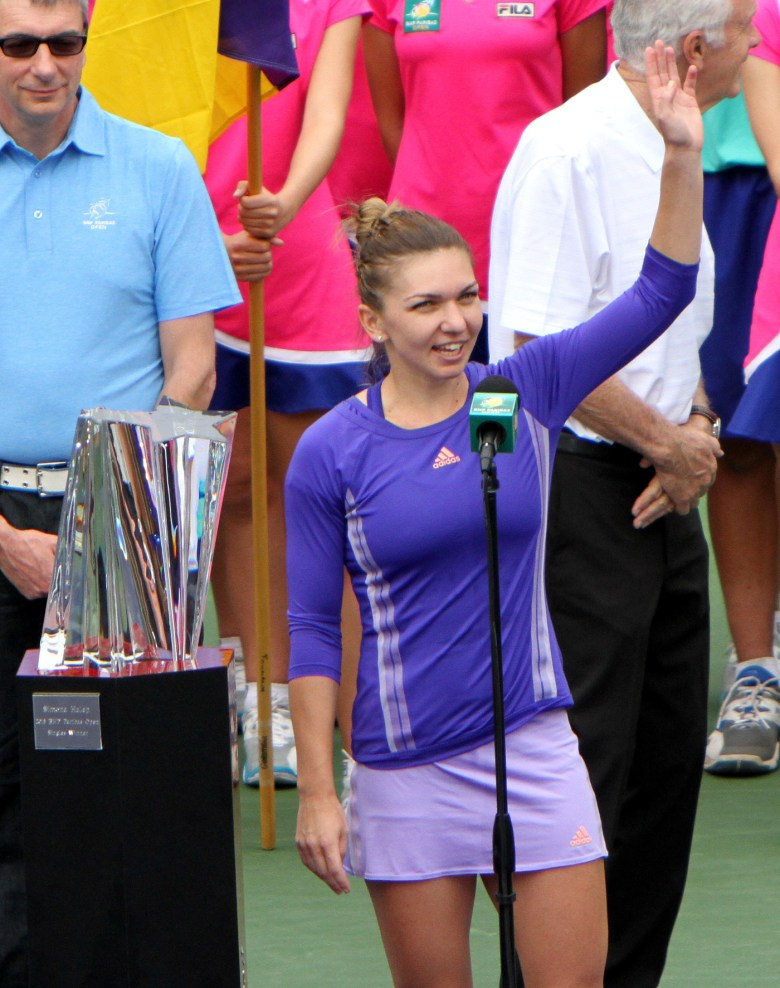 images/BNP Paribas Open 2015 Week Two/simona-halep-gives-thanks_16907430962_o