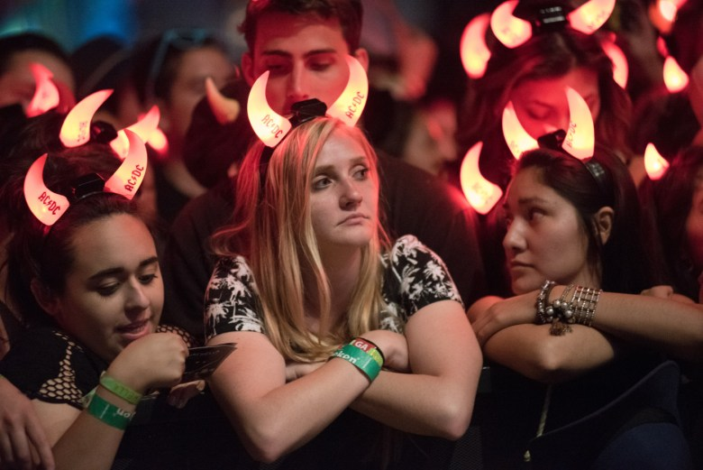 images/Coachella 2015 Weekend 2 Day 1/acdc-fans_17005839339_o