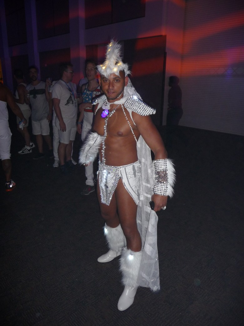 images/White Party 2015/nice-costume_17279089235_o