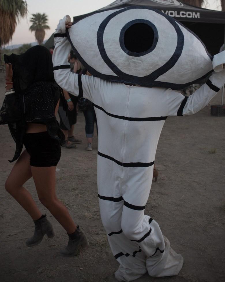 images/Desert Daze 2015/eye-mascot_17643508755_o