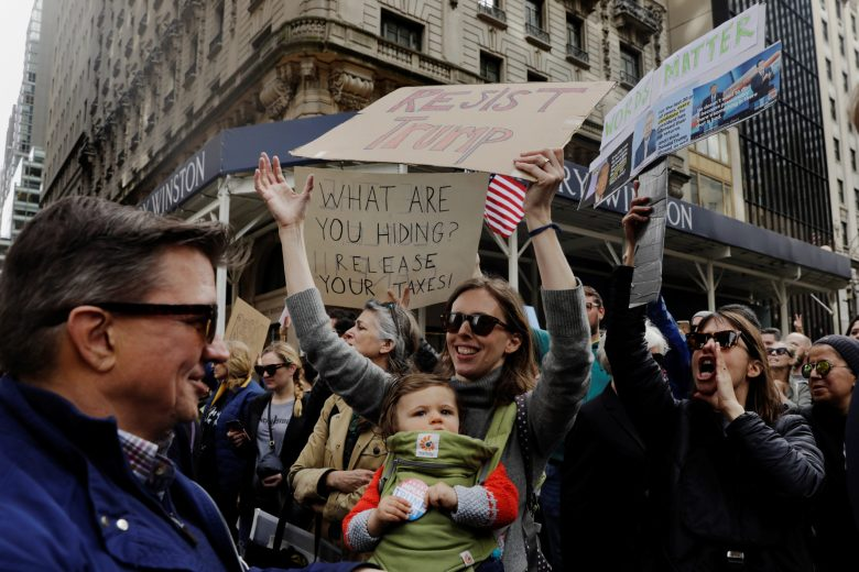images/Trump Tax Day Rallies 2017/2017-04-15T212410Z_1_LYNXMPED3E0PR_RTROPTP_4_USA-TRUMP-TAXES