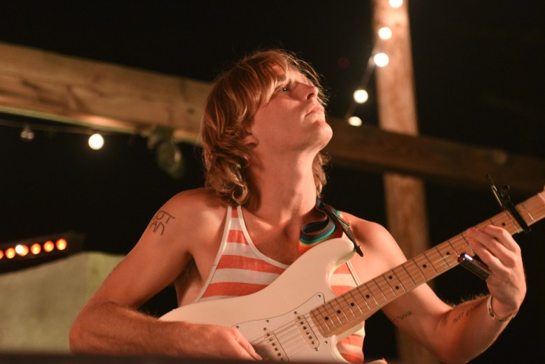 images/Mac DeMarco at Pappy and Harriets/DeMarcoLeadGuitar
