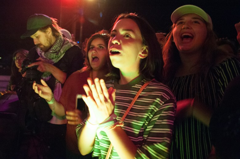 images/Mac DeMarco at Pappy and Harriets/MoreFans