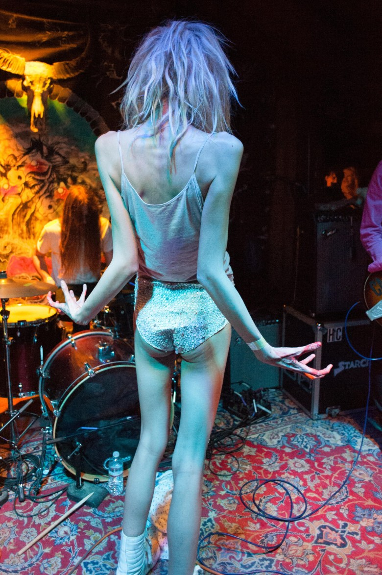 images/Black Lips at Pappy and Harriets/DeWildeBack