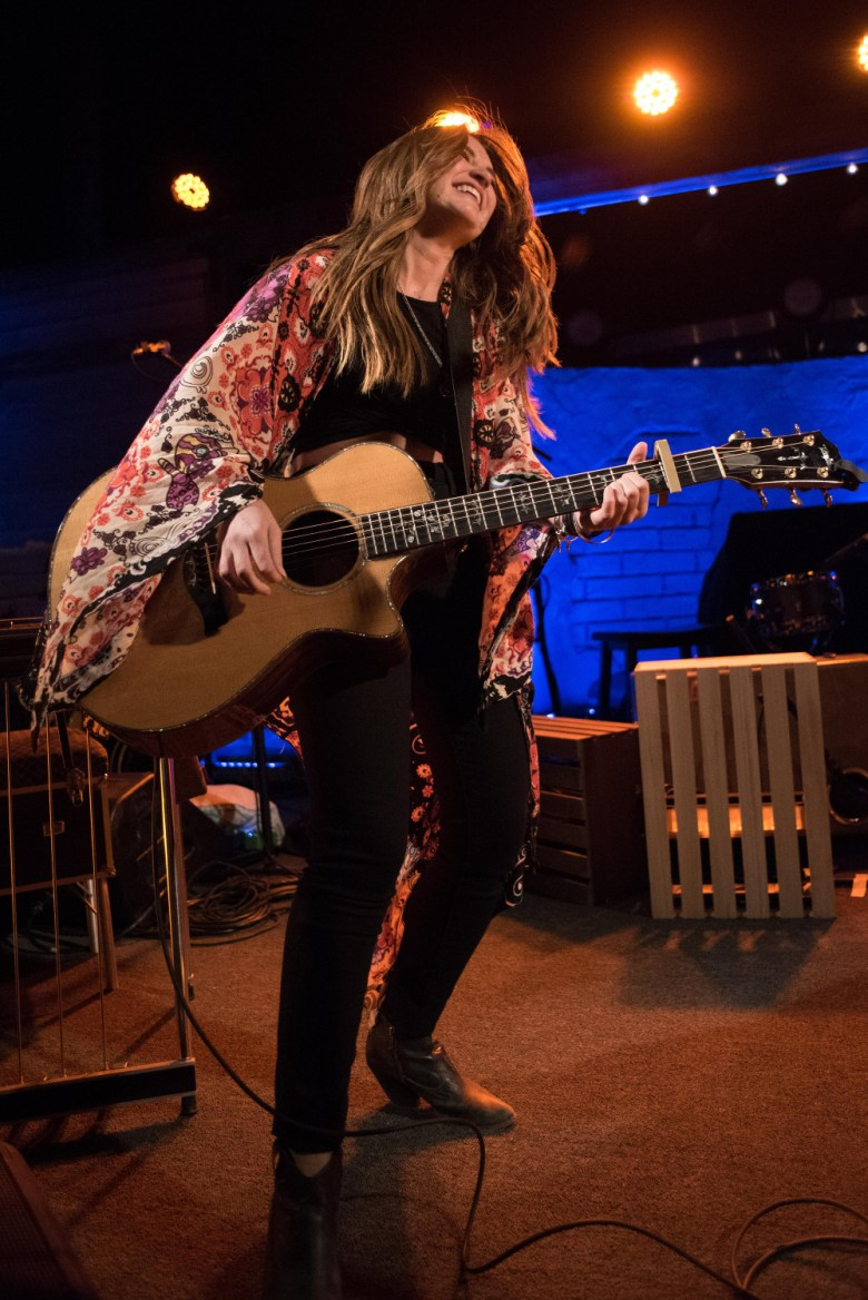 images/Maren Morris at Pappy and Harriets/DSC_6125