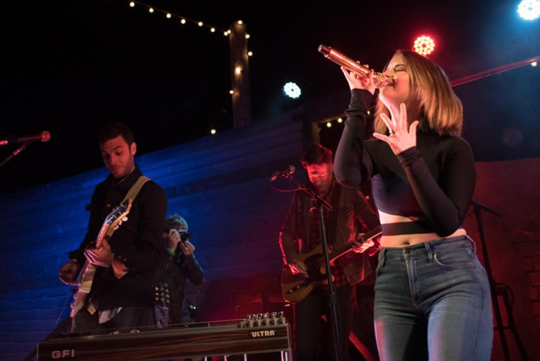 images/Maren Morris at Pappy and Harriets/DSC_6191