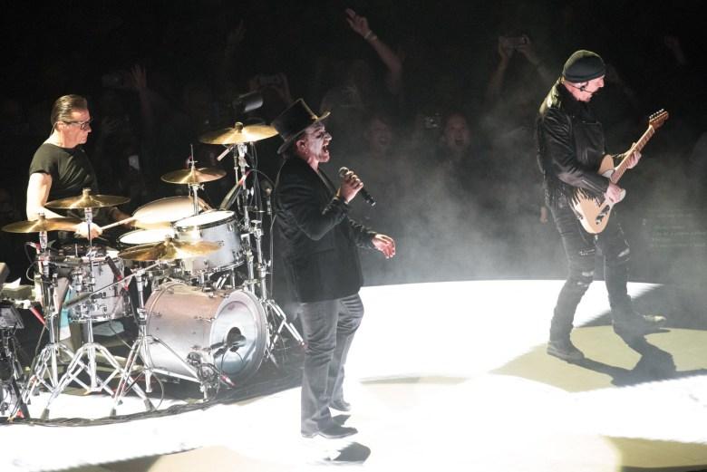 images/U2 at The Forum/DSC_8253