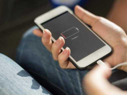 5 вещей, которые вы никогда не должны делать во время телефонного собеседования, по словам карьерных консультантов