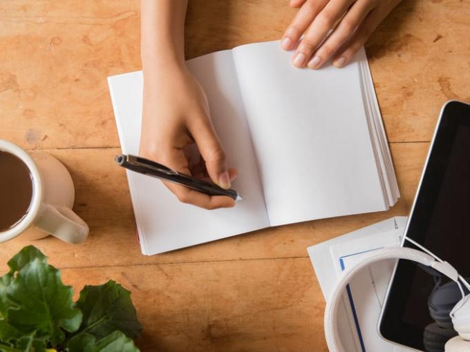 Эти 3 ежедневных привычки гениев могут сделать вас умнее – для этого вам понадобится не больше часа