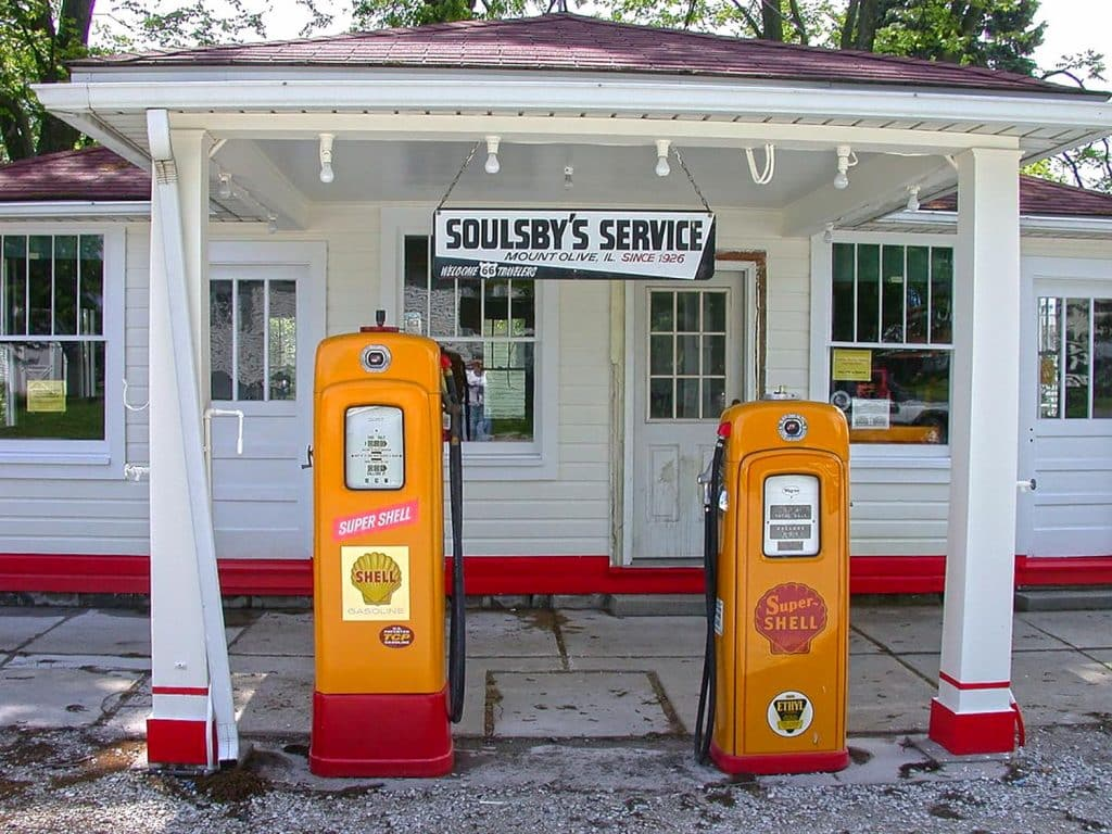 Photo Tripping America - Route 66 Southern Illinois - Camping World