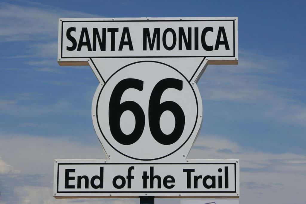 Photo Tripping America - Route 66 California - Camping World
