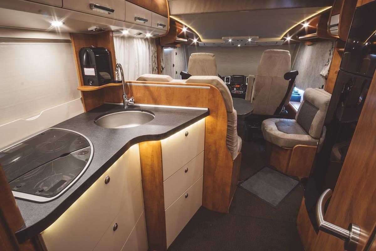Traveling with a caravan (motorhome)