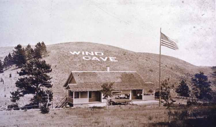 Photo Tripping America - Wind Cave - Camping World