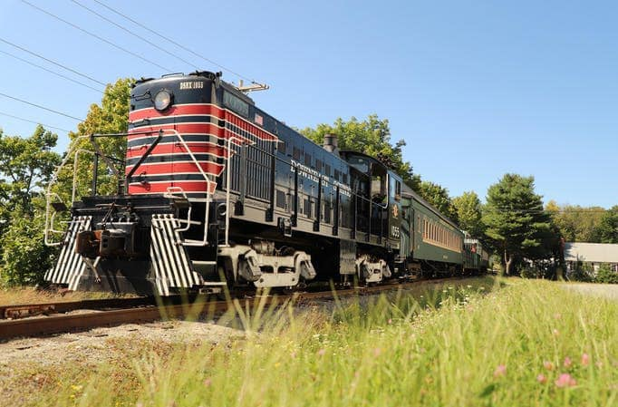 Photo Tripping America - Excursion Trains in Maine - Camping World