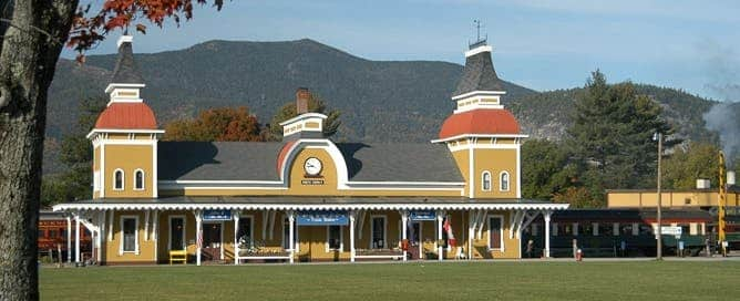 Excursion Trains in New Hampshire - Conway Scenic Railroad Depot