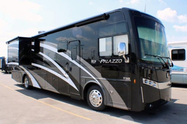2020 Thor Palazzo 363 Class A diesel pusher