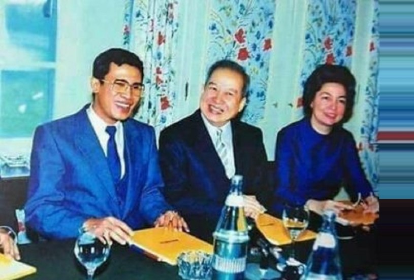 Photo 1991 - from left: Hun Sen, Norodom Sihanouk, Norodom Monineath