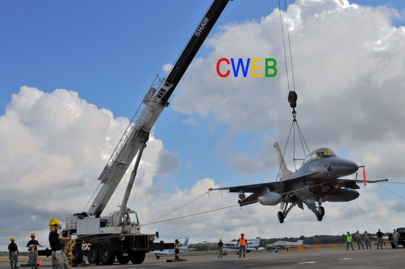 CDDAR_F-16_crane_lift_150919-Z-IM486-134
