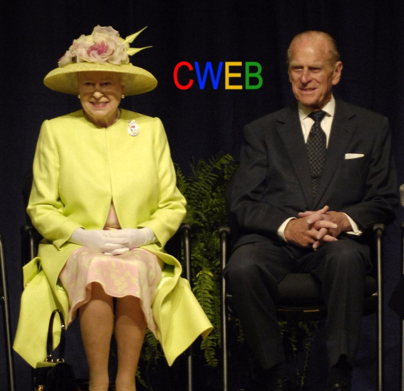 Queen_Elizabeth_II_and_Prince_Philip_visiting_NASA,_May_8,_2007.jpg