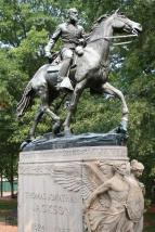 Statue of Jackson and Little Sorrel in Charlottesville, Virginia.
