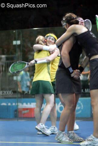 CGD07 Grinham sisters win gold 06CG7224