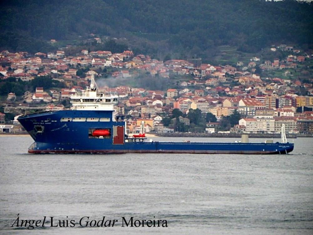 """El buque """"North Sea Giant"""" esta en sus pruebas oficiales por la Ria de Vigo (1/6)"""