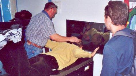 2001-07-parachute-06-xav-demo