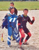 2001-07-parachute-12-yvans-fin