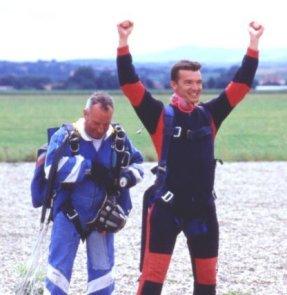 2001-07-parachute-17-gaz-fin