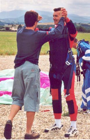 2001-07-parachute-17-gaz-fin2