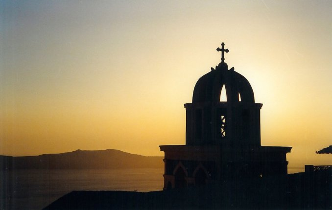 gr-1998-soleil-couchant-cathedrale-thira