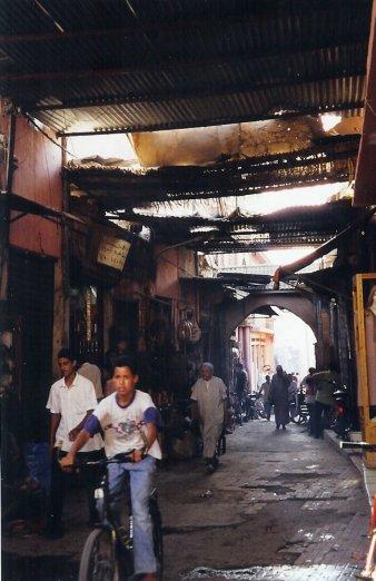 ma1999-souks-marrakech-02