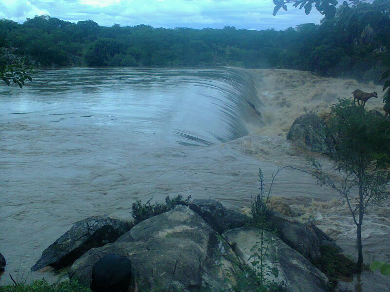 Horror As 17-year-old Mother Throws Her 2-Year-Old Baby Into Tugwi River-iHarare