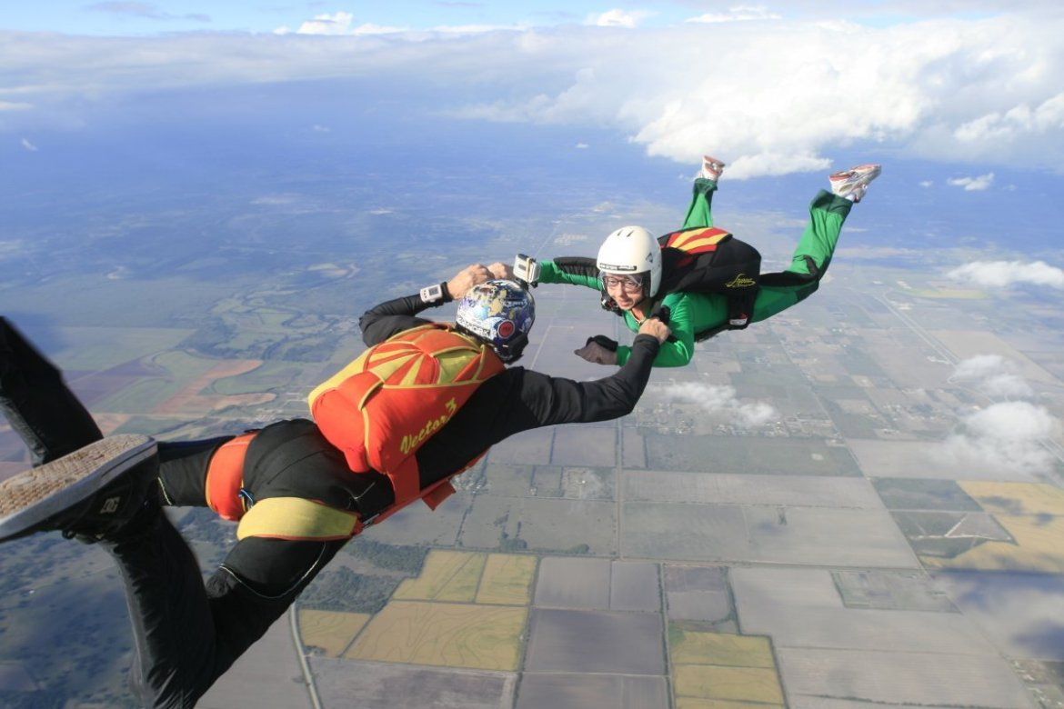 Tragedy As Skydiver Falls To His Death After Parachute Fails To Open-iHarare