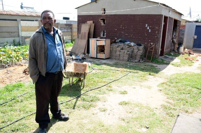 SA Man Homeless After Fake Sangoma Duped Him Into Selling His House Before Disappearing With His Money-iHarare